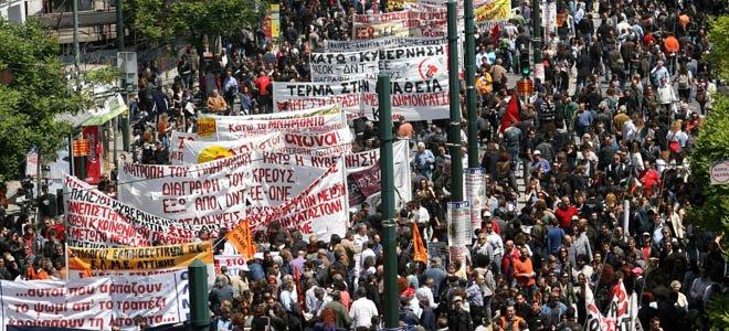 Κύμα οργής στους δρόμους της Αθήνας κατά της λιτότητας