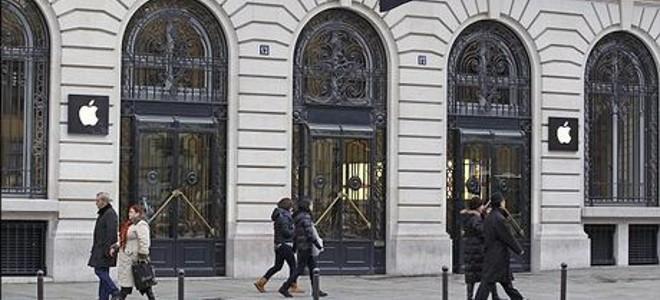 Ενοπλοι ληστές «σήκωσαν» το μαγαζί της Apple στο Παρίσι - Στο 1 εκατ. ευρώ η ζημ