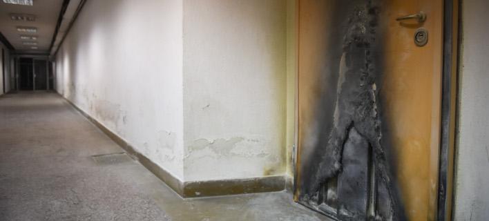 Αγνωστοι έβαλαν φωτιά στην Πολυτεχνική Σχολή/ Φωτογραφία: Intimenews