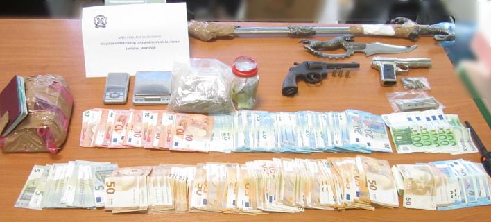 Μετά την κατακραυγή από καθηγητές και φοιτητές η ΕΛ.ΑΣ. έκανε «σκούπα» στο ΑΠΘ -Εντόπισαν ναρκωτικά και όπλα [εικόνες]