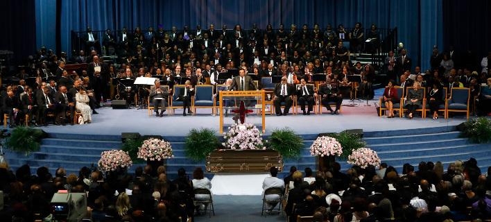 Πλήθος κόσμου παραβρέθηκε στην κηδεία της Αρίθα Φράνκλιν. Φωτογραφία: AP