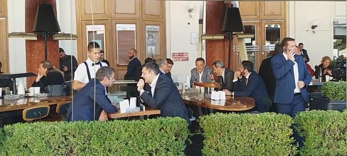 Συνομίλησαν αρκετή ώρα, φωτογραφίες: voria.gr