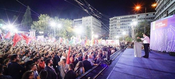 «Αρρωστος» με τον Τσίπρα: Αρνήθηκε να εγχειριστεί για να μη χάσει την ομιλία στο Σύνταγμα