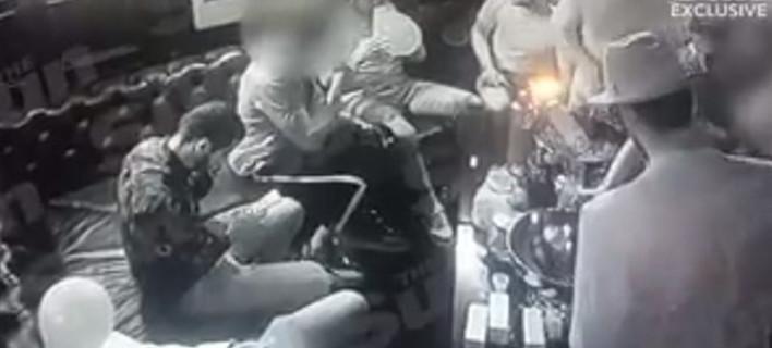 Βίντεο: Επτά παίκτες της Άρσεναλ ξεσαλώνουν σε πάρτι με hippy crack, αλκοόλ και γυναίκες