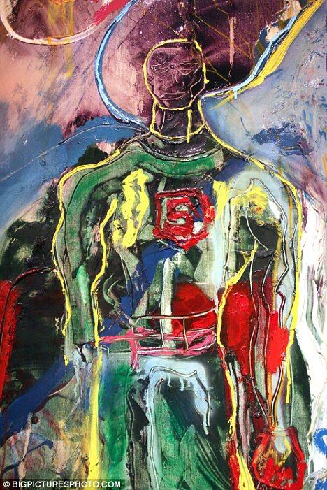 Έκθεση-ντροπή με ζωγραφικά έργα του Σταλόνε φιλοξένησε ιστορικός χώρος στην Αγία Πετρούπολη [εικόνες]