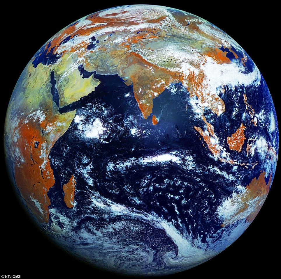 Earth In One Take Stunning Picture By Russian Weather Satellite - Earth satellite view 2016