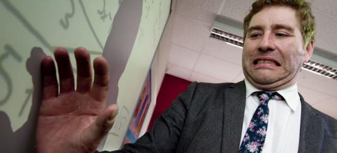 Ο δάσκαλος που είναι αλλεργικός στο σχολείο – Ζει ένα δράμα κάθε ημέρα στην τάξη
