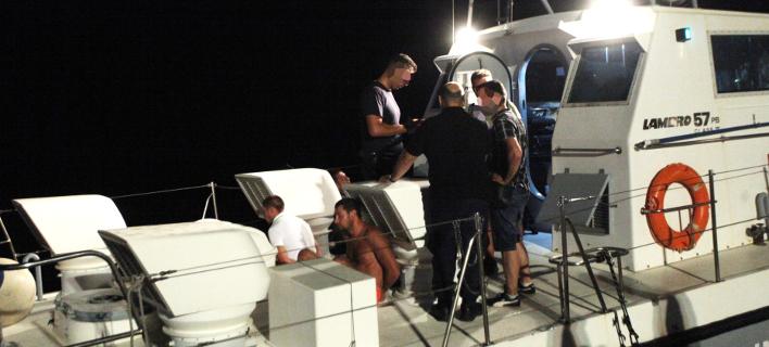 Το σκάφος του λιμενικού που μετέφερε τους συληφθέντες-Φωτογραφία: Eurokinissi/Χρήστος Μπόνης