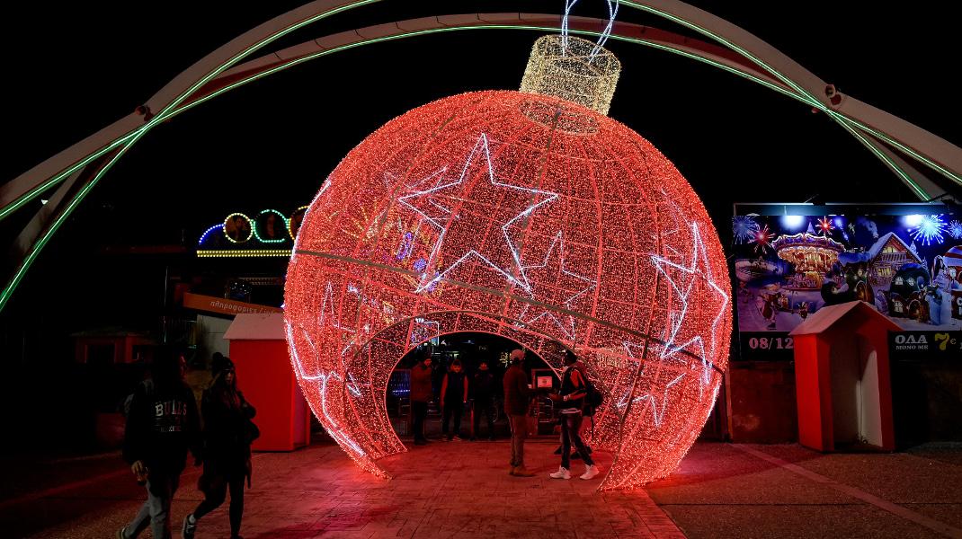 Ο εντυπωσιακός χριστουγεννιάτικος «αστερόκοσμος» στην Θεσσαλονίκη -Φωτογραφία: Intimenews/ΙΩΑΝΝΟΥ ΠΑΝΟΣ
