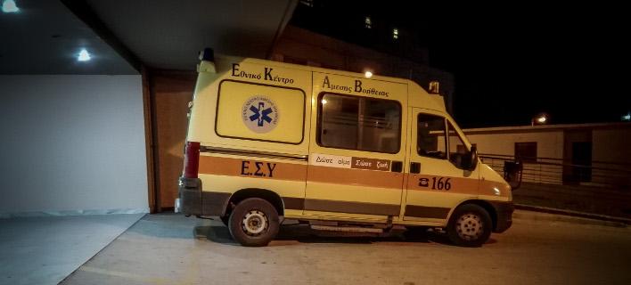Το θύμα πήγε στο νοσοκομείο (Φωτογραφία αρχείου: EUROKINISSI/ΘΑΝΑΣΗΣ ΚΑΛΛΙΑΡΑΣ)