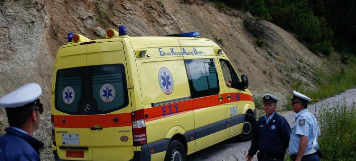Ασθενοφόρο/ Φωτογραφία intime news