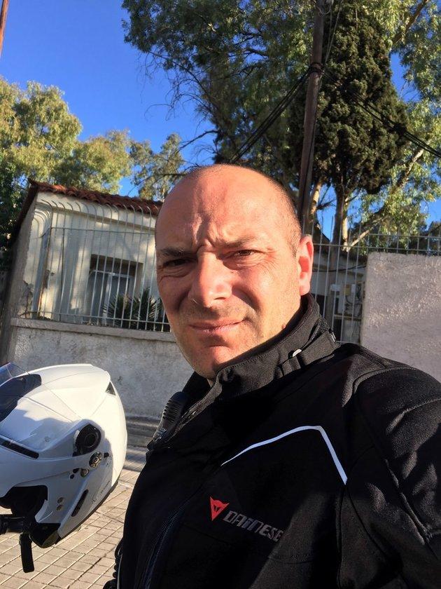 O αστυνομικός Σταύρος Τσιροζίδης που έζησε την κόλαση της φωτιάς (Φωτό: Εθνος)