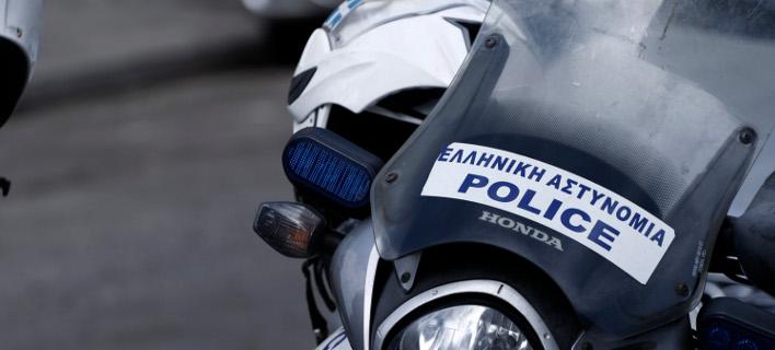 Επίθεση Ρομά με πέτρες στο Α.Τ. Ανω Λιοσίων -Εννέα αστυνομικοί ελαφρά τραυματίες