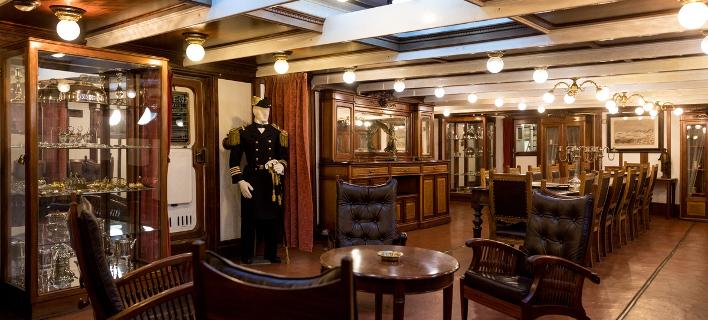Φωτογραφία: Στο εσωτερικό του ιστορικού πλοίου του ΠΝ/SOOC