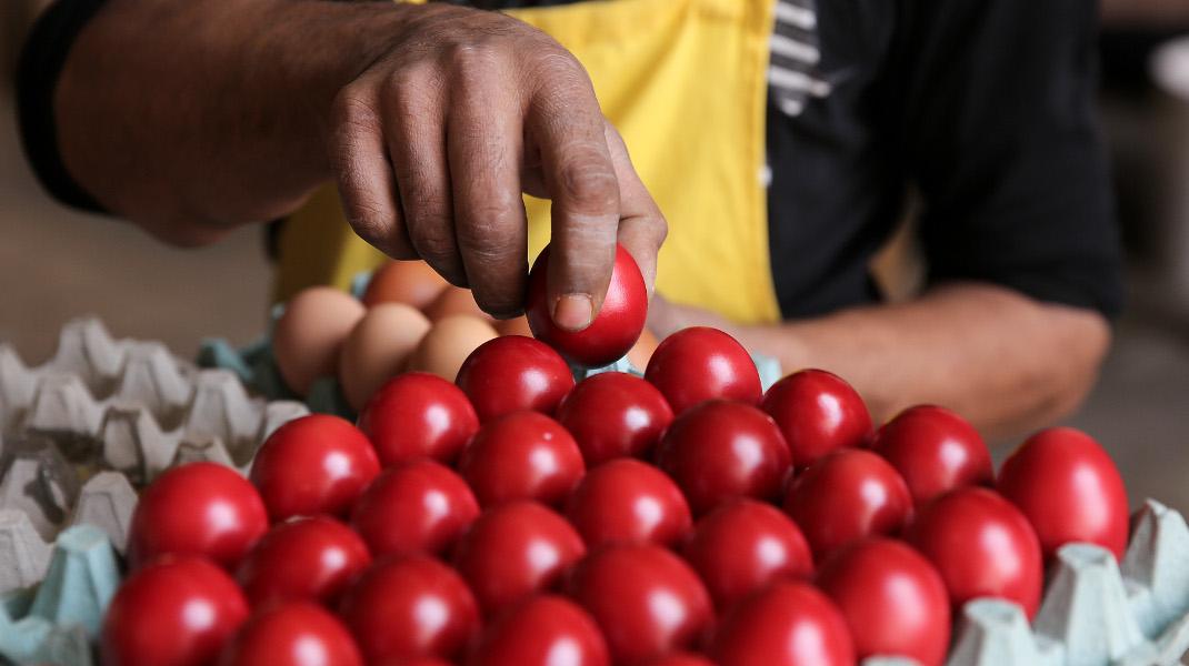 Πασχαλινά αυγά στη Βαρβάκειο Αγορά - Φωτογραφία: Intimenews.ΜΠΑΛΤΑΣ ΚΩΣΤΑΣ