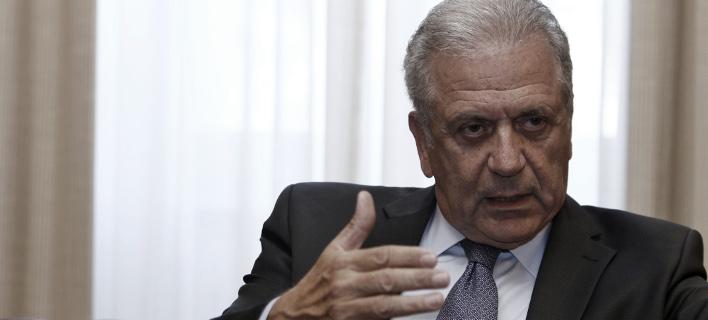 Ο Αβραμόπουλος στη Die Welt: Να διαφυλάξουμε και να ενισχύσουμε τη συνθήκη Σένγκεν