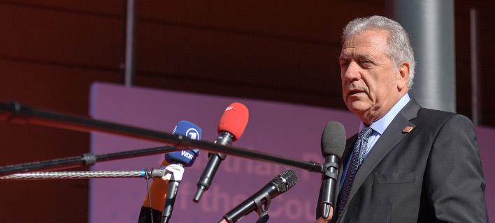 Ο Δημήτρης Αβραμόπουλος/ Φωτογραφία intime news
