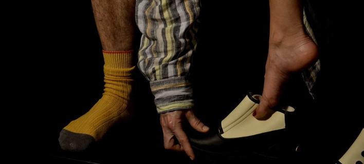 Μία παράσταση για τον επαναπροσδιορισμό του φύλου -Με ήρωα τον/την Νταίζη [εικόνες]