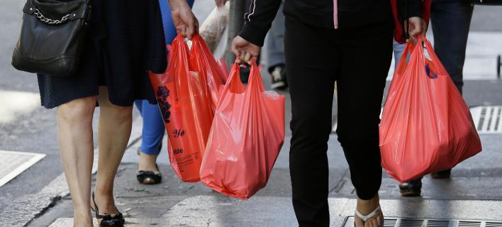 Αυστραλία: Οι 2 μεγαλύτερες αλυσίδες σούπερ μάρκετ σταμάτησαν να χρεώνουν τις πλαστικές σακούλες