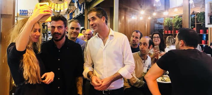 O Κώστας Μπακογιάννης και ο Ακης Πετρετζίκης μαζί στο Τελ Αβίβ