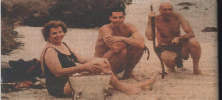 Απίστευτες δηλώσεις Βαρουφάκη: Η μητέρα μου ήταν μέλος ακροδεξιάς τρομοκρατικής οργάνωσης