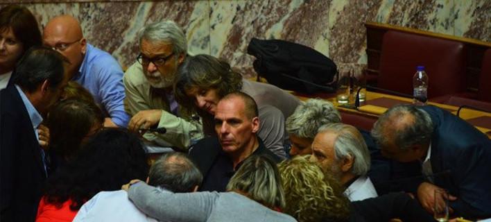 Ο Βαρουφάκης εκνευρίζει το Twitter -Ψάχνει να βρει γιατί «δίνει» τον Τσίπρα [εικόνες]