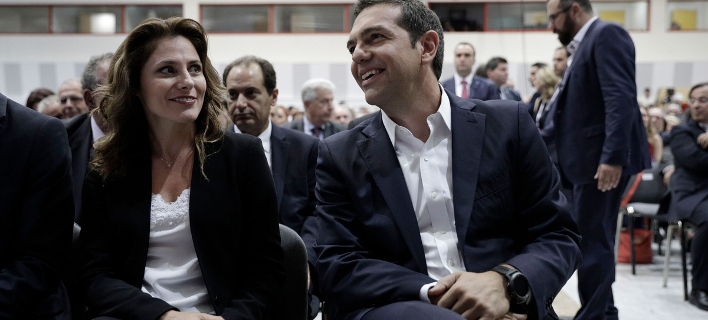 Ο κ. Τσίπρας με την κ. Μπαζιάνα (Φωτογραφία: SOOC/ ΚΩΝΣΤΑΝΤΙΝΟΣ ΤΣΑΚΑΛΙΔΗΣ)