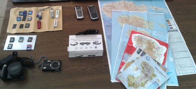 Αυτά είναι τα σύνεργα του Γερμανού κατασκόπου της Χίου- Είχε και ειδικά γυαλιά με ενσωματωμένη κάμερα [εικόνα]