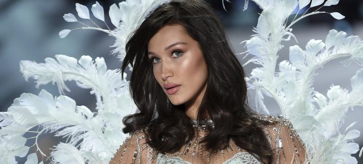 H Mπέλα Χαντίντ σε σόου της Victoria's Secret, Φωτογραφία: AP images/Evan Agostini