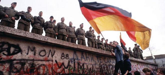 Η Γερμανία θυμάται το «Τείχος της Ντροπής»: Εορτασμοί για τα 25 χρόνια από την πτώση του [εικόνες&βίντεο]