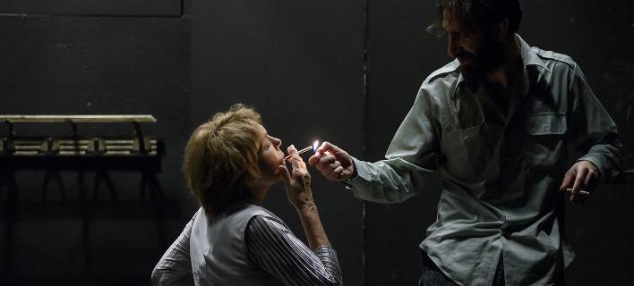 Η Μπέττυ Αρβανίτη επιστρέφει στη σκηνή μετά το ορθοπεδικό πρόβλημα