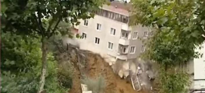 Παραλίγο τραγωδία στην Κωνσταντινούπολη: Κατέρρευσε τετραώροφο κτίριο στο Πέραν [βίντεο]