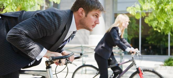 Βρήκαν πρωτότυπο τρόπο να κινητοποιήσουν τους Έλληνες να πηγαίνουν στη δουλειά με το ποδήλατο