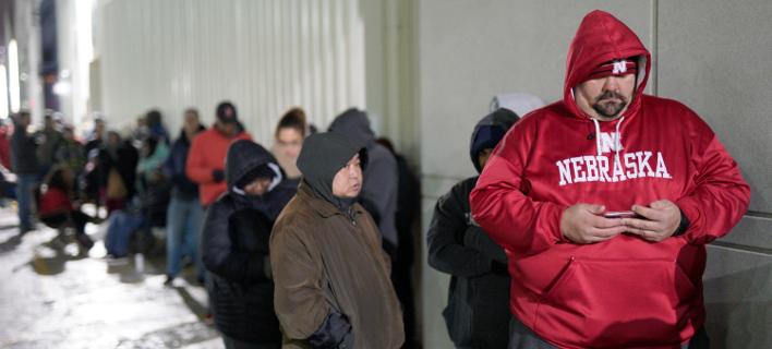 Φρενίτιδα για την Black Friday στις ΗΠΑ παρά το κρύο -Φωτογραφίες: AP