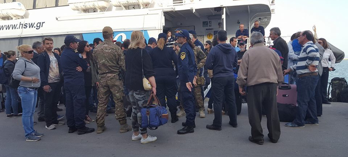 Eνταση στο Βόλο: Απεργοί εμπόδισαν ταχύπλοο να φύγει από το λιμάνι [εικόνα]