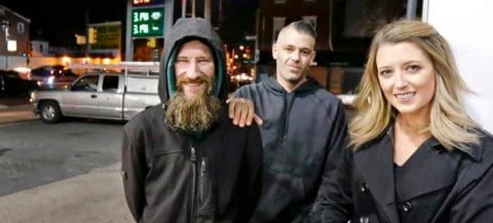 Ο Τζόνι Μπόμπιτ, ο Μαρκ Ντ' Αμίκο και η Κέιτ ΜακΚλουρ (Φωτογραφία: Elizabeth Robertson/Philadelphia Inquirer/AP)