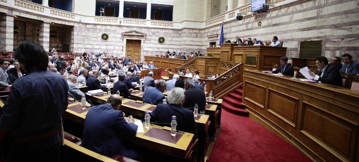 Φορείς σε ΣΥΡΙΖΑ: Κάποτε λέγατε «φύγετε τσογλάνια» -Τώρα ξεπουλάτε τα πάντα