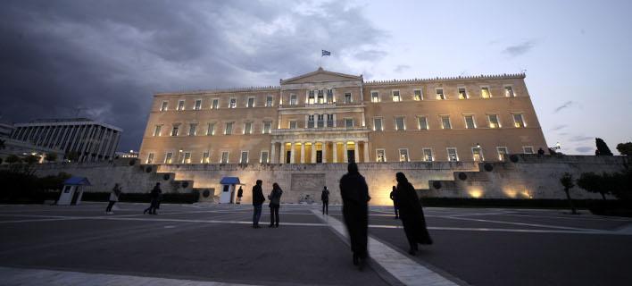 Συνέλαβαν δύο άτομα στη Βουλή -Προσπάθησαν να φτάσουν στα γραφεία πολιτικών κομμάτων