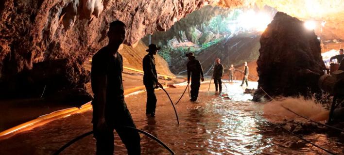 Από την νόσο των σπηλαίων κινδυνεύουν τα εγκλωβισμένα παιδιά. Φωτογραφία: AP