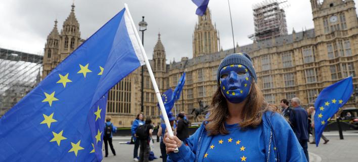 Η πλειοψηφία των Βρετανών θα ήθελε ένα δεύτερο δημοψήφισμα για το Brexit