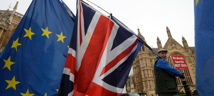 Brexit: Πιο κοντά ένα νέο δημοψήφισμα στη Βρετανία μετά το στραπάτσο της κυβέρνησης Μέι στη Βουλή