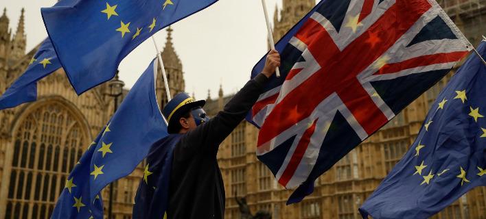 Ευρωπαϊκό Κοινοβούλιο: Απαιτείται «επιπλέον πρόοδος» στις διαπραγματεύσεις για το Brexit