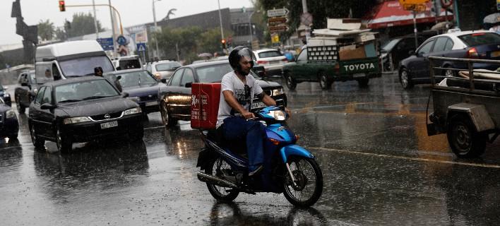 Βροχές και καταιγίδες την Τρίτη/ Konstantinos Tsakalidis / SOOC