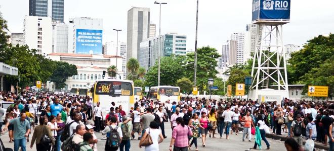 Κυκλοφοριακό κομφούζιο στο Ρίο Ντε Ζανέιρο από την 48 απεργία των οδηγών λεωφορε