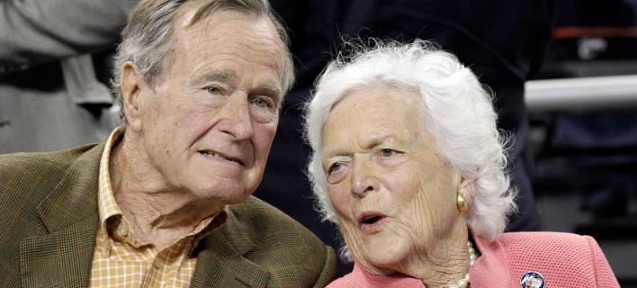 Η συγκινητική ιστορία αγάπης του Τζορτζ και της Μπάρμπαρα Μπους -73 χρόνια γάμου, ένας τρελός έρωτας [εικόνες]