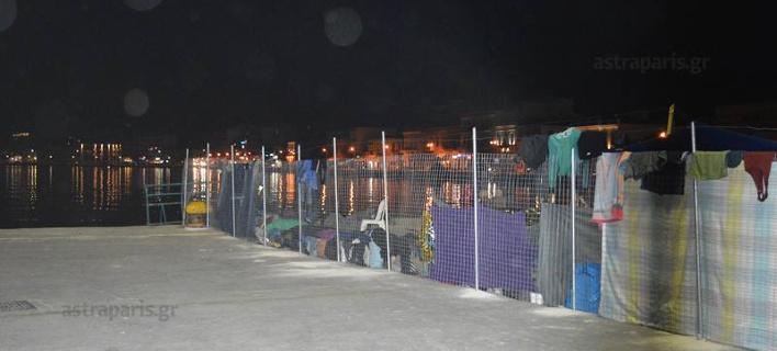 Απίστευτο: χώρισαν με συρματοπλέγματα το λιμάνι της χίου λόγω των προσφύγων [εικόνες & βίντεο>