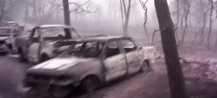 Τα καμμένα αυτοκίνητα. Φωτογραφία: YouTube