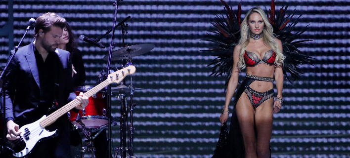 Φωτογραφία: AP/ Η Candice Swanepoel εμφανίστηκε με πλάκα κοιλιά στην Victoria Secret και τώρα ανακοινώνει πως είναι έγκυος [εικόνες]