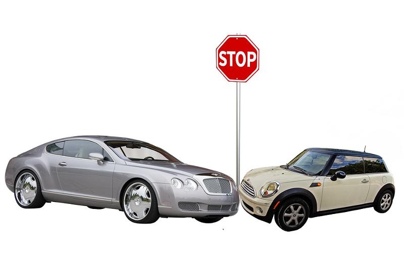Κατασκευή  ή η αλλοίωση συνθηκών ασφαλιστικού γεγονότος (πχ. δήλωση εξυπηρέτησης, σκηνοθετημένο ατύχημα, αντιστροφή υπαιτιότητας κλπ.) είναι η συνηθέστερη περίπτωση ασφαλιστικής απάτης