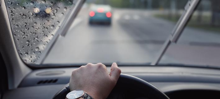 Tips για να κυκλοφορείς μέσα στη βροχή